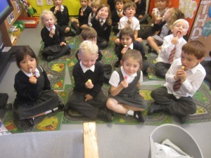 Learning l by licking lollies- our favourite letter!